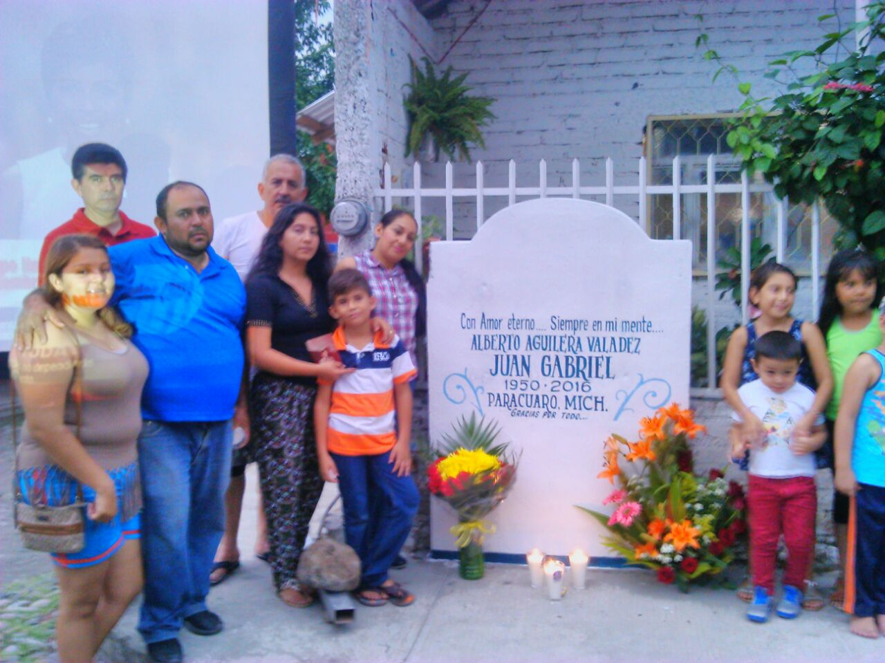 Parácuaro Michoacán le llora a Juan Gabriel la leyenda de México
