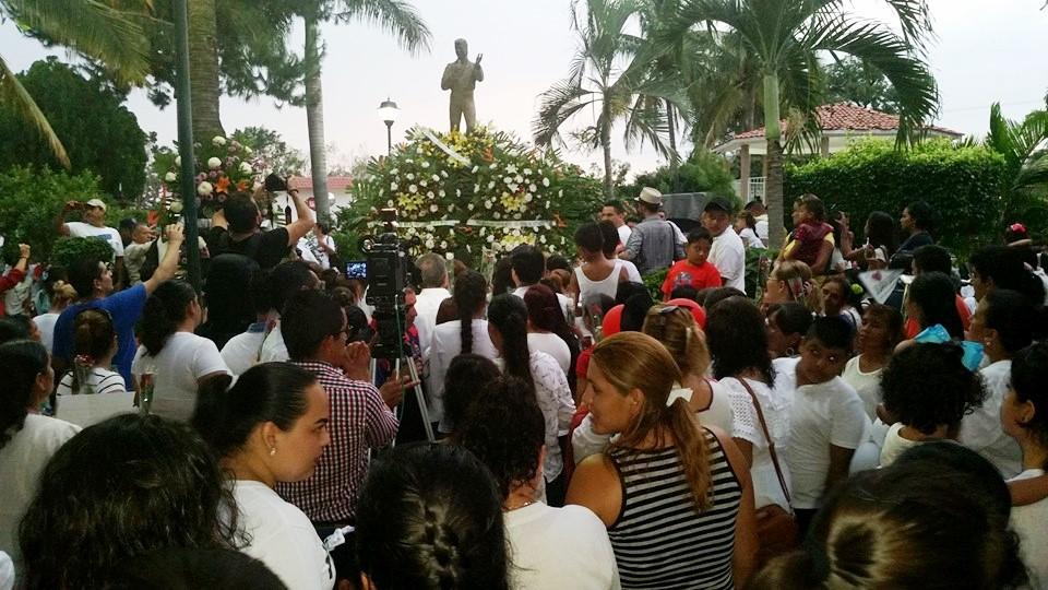 Parácuaro espera que Juan Gabriel sea sepultado en la tierra que lo vio nacer