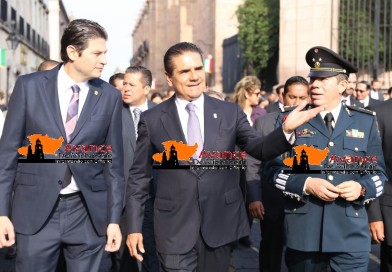 Encabeza Gobernador recorrido del Bando Solemne en Morelia.