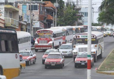 En Veracruz SSP detiene camiones de transporte público en malas condiciones