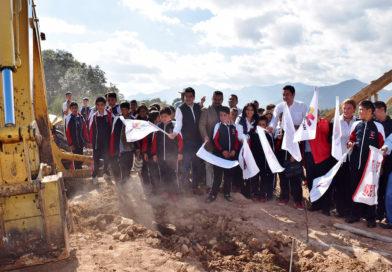 """Sustituye IIFEEM aulas """"de palitos"""" en Secundaria Técnica de Ciudad Hidalgo"""