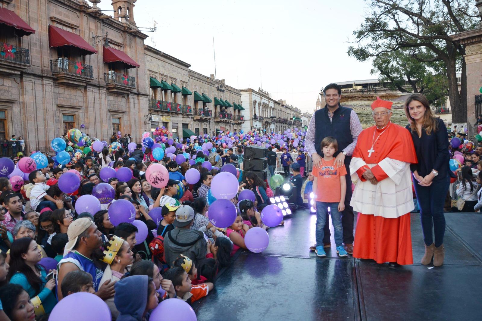 Un rotundo éxito, Cabalgata de Reyes Magos 2017 y Rosca Monumental en Morelia