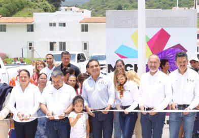 Cumple Gobernador con familias afectadas por lluvias atípicas de 2010 en Tuxpan