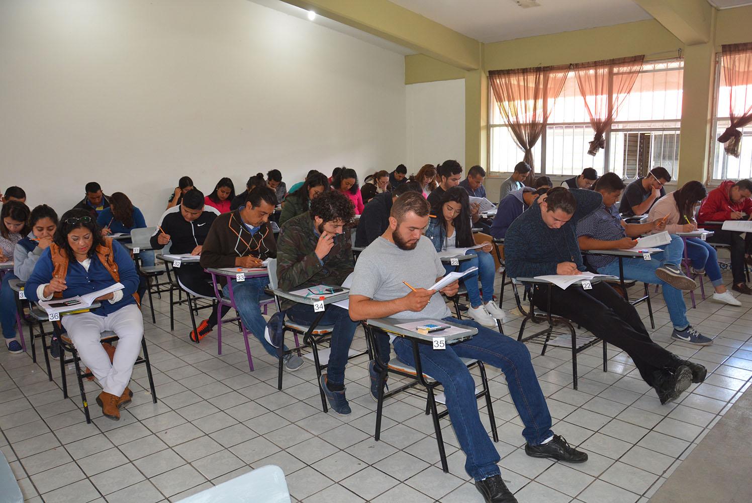 Cobaem realiza acciones para elevar el nivel de escolaridad en Michoacán