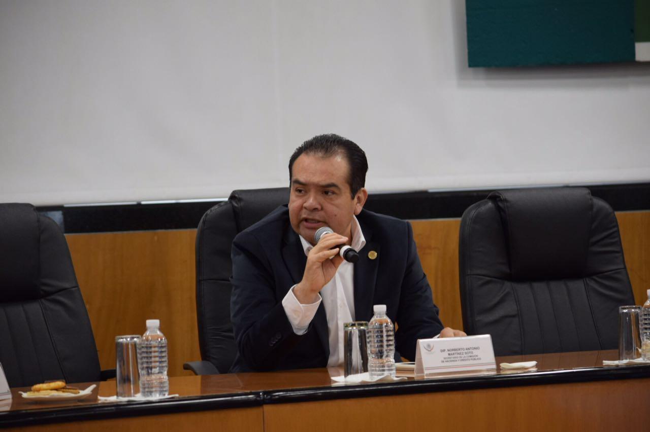 Norberto Martínez Demanda que se Reduzca el 5O % del Impuesto de la Gasolina