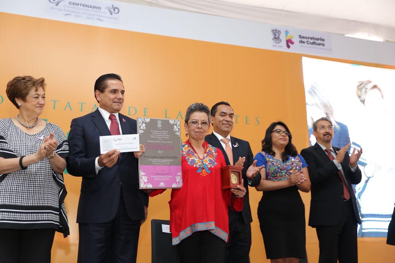 "Entrega Gobernador Premio Estatal de las Artes ""Eréndira"" 2017"
