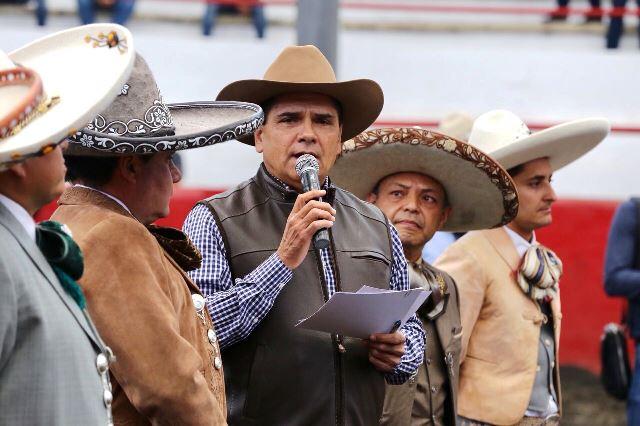 Llama Gobernador Silvano a mantener viva la Charrería