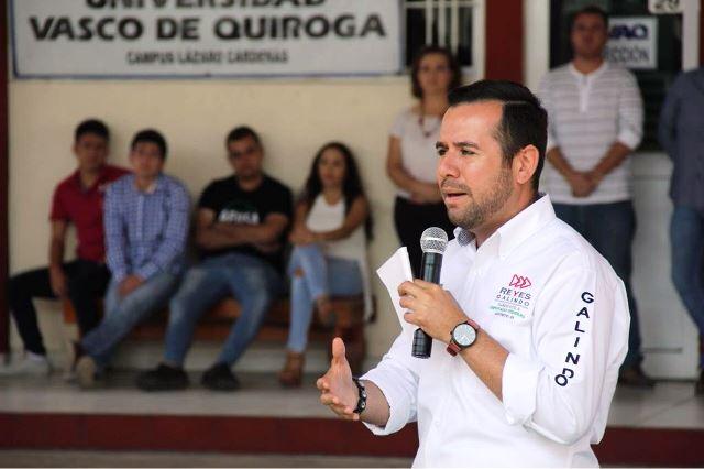 Ofrece Reyes Galindo gestión para que transportistas tengan seguridad social