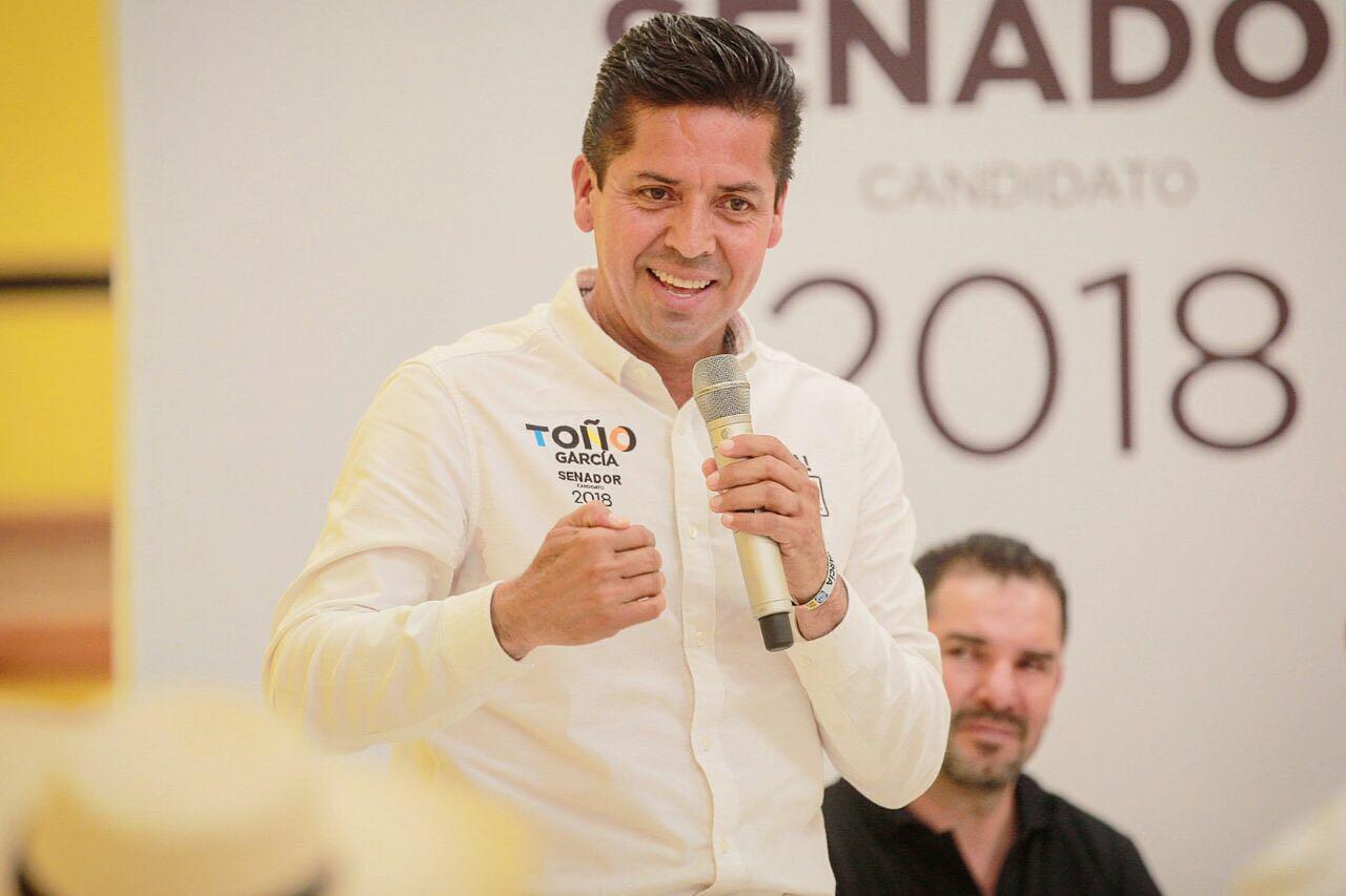 Sé dar resultados y estoy listo para representar a los michoacanos: Toño García.