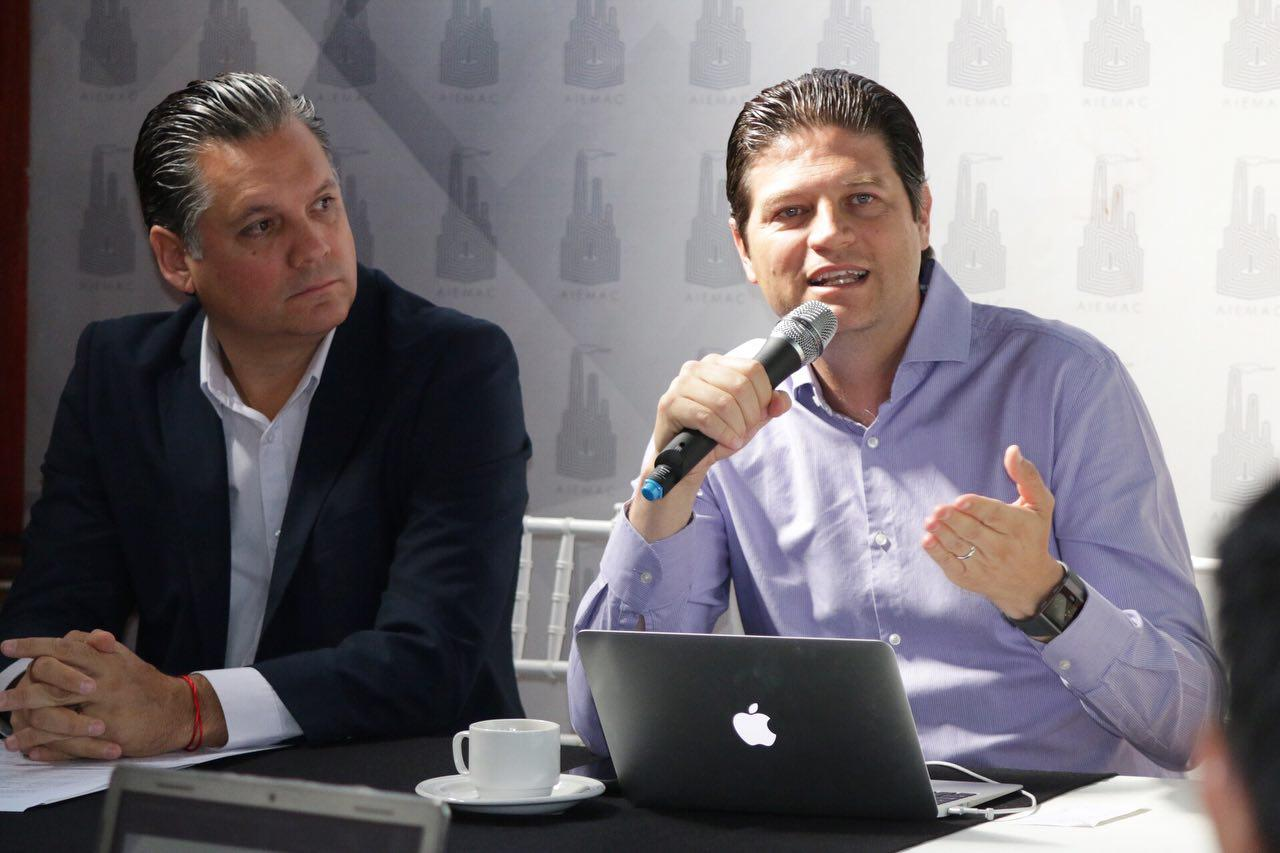 Participa Alfonso Martínez en foro de AIEMAC