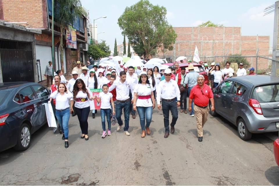 Sigan Xóchitl Ruiz y Toño Ixtlahuac compromisos con zinapecuarenses