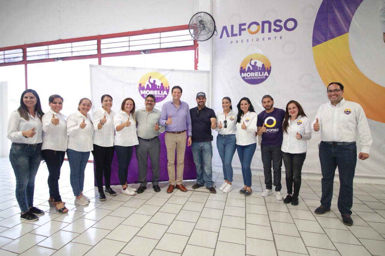 Asociaciones de migrantes respaldan a Alfonso Martínez
