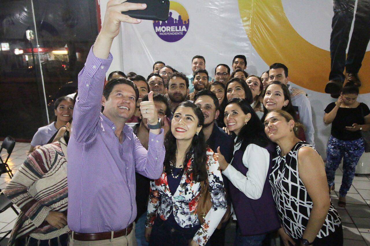 Jóvenes muestran su entusiasmo para la reelección de Alfonso Martínez