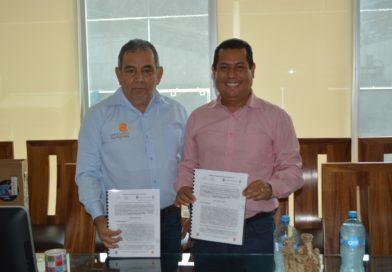 Firma de convenio entre EL I.T.S.A. y la integradora de productores de valle del Apatzingán S.A. de C.V. (INPRODEVA)