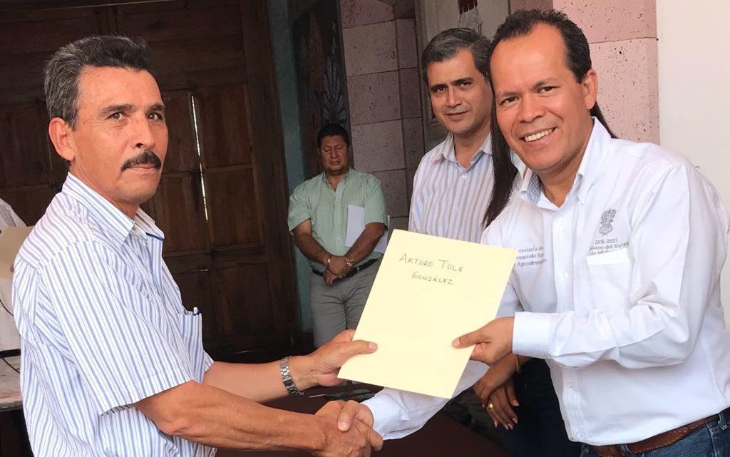Entrega Sedrua pagos por daños en cultivos en Venustiano Carranza