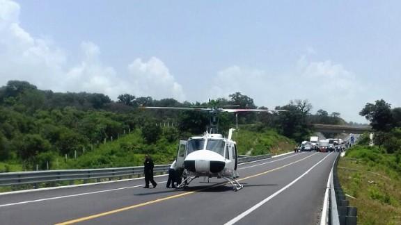 Brinda SSP apoyo para traslado aéreo tras accidente en carretera Pátzcuaro-Cuitzeo
