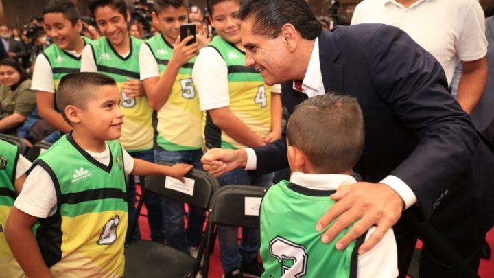 Incidir en cambio de vida de niñez y juventud a través del deporte: Silvano Aureoles