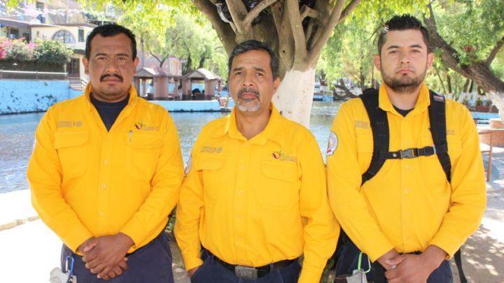 Tres michoacanos especializados en el manejo del fuego apoyan  la supresión de los incendios forestales en Canadá