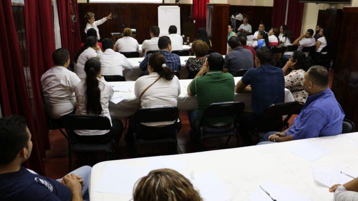 Con éxito se capacitan comerciantes de Apatzingán