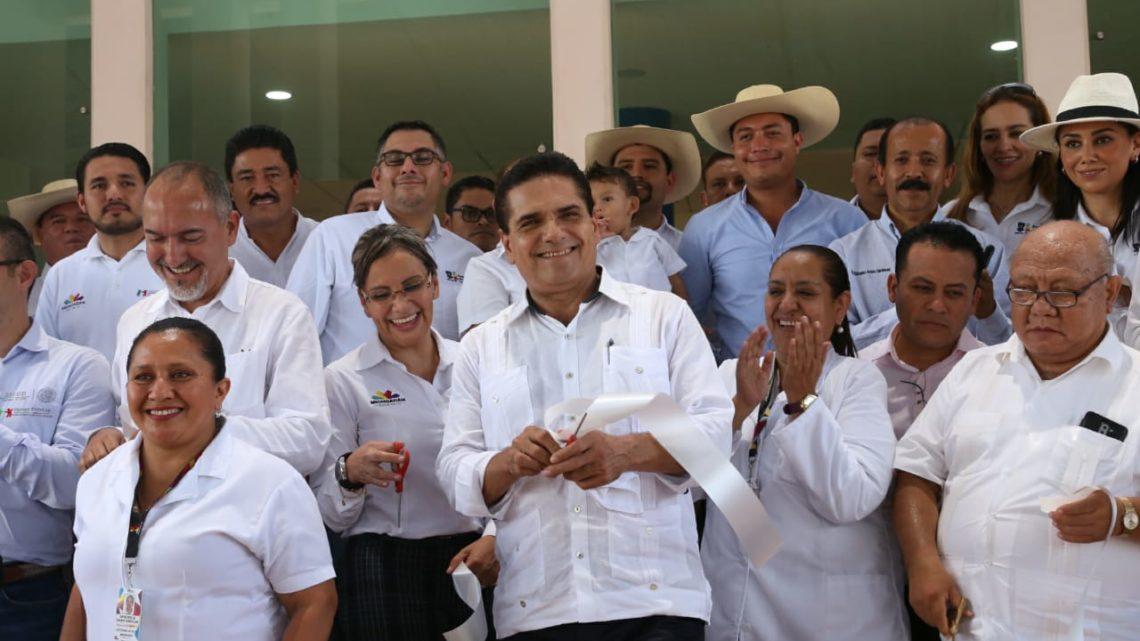 Tras 50 años de servicio y abandono, Gobierno del Estado rescata Centro de Salud de Huetamo