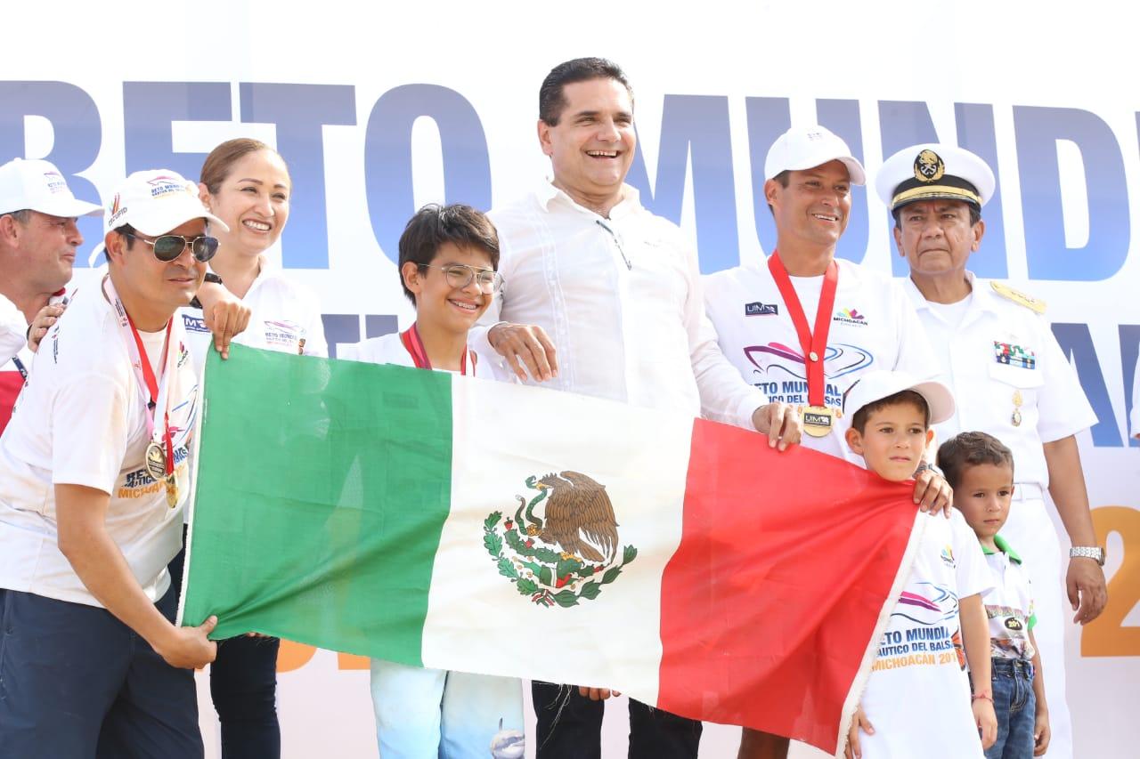 Sin incidentes y con gran aceptación concluye Reto Mundial Náutico del Balsas Michoacán 2018
