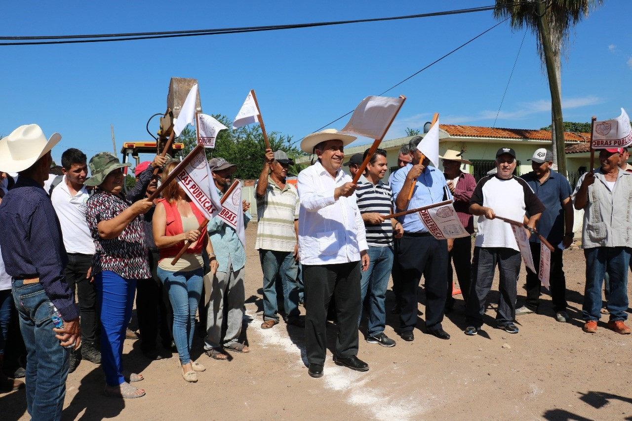 Alcalde de Apatzingán pone en marcha infraestructura hidráulica