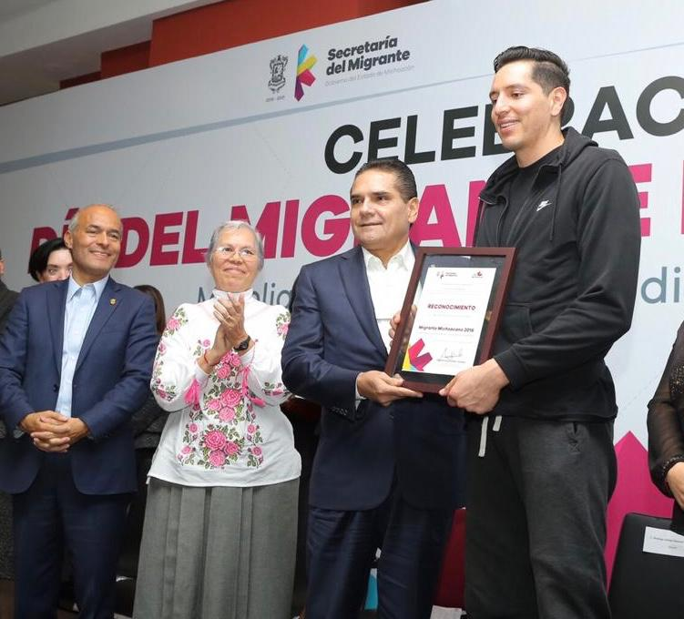Enaltece Gobernador aportación de migrantes al desarrollo de Michoacán