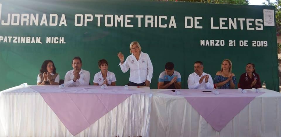 DIF Apatzingán realiza jornada de salud visual